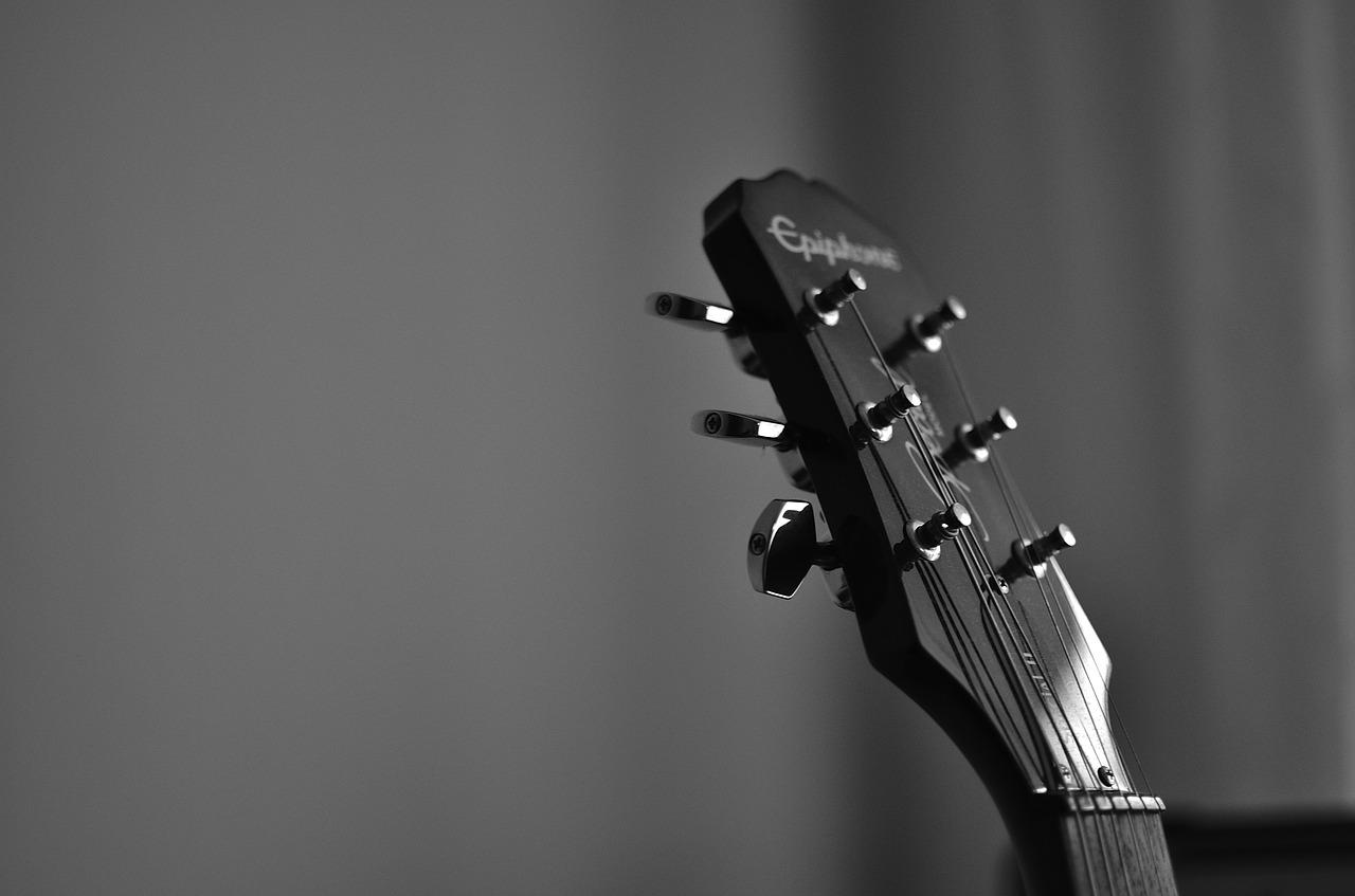 Kiedy warto naprawić gitarę?